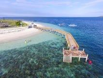 Остров Индонезия Kenawa отснятых видеоматериалов трутня стоковое фото