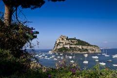 Остров Италия Ischia замка Aragonese Стоковое фото RF