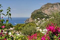 Остров Капри, Италия, Европа, залив Неаполь, стоковые изображения rf