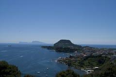 Остров Капри и город Bacoli Стоковая Фотография