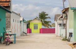 Остров Мальдивы атолла Raa Meedhoo улиц стоковое изображение rf