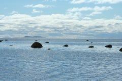 Остров на горизонте, живая природа северная Стоковые Фотографии RF