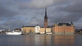 Остров острова Riddarholmen Knightly, день в марте Стокгольм, Швеция сток-видео