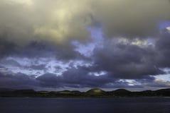 Остров пасхи на сумраке Стоковая Фотография