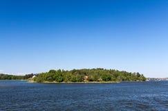 остров сиротливый stockholm Швеция архипелага Стоковая Фотография