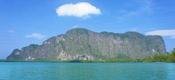 Остров скалы Стоковая Фотография