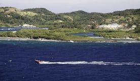 остров с roatan быстроходного катера Стоковые Фото