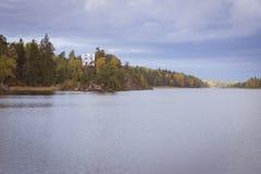 Остров умерших и часовня Ludwigstein в Monrepos Стоковые Фото