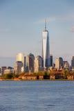 Остров Ellis и район Манхаттана финансовый, Нью-Йорк стоковая фотография