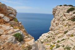 Остров Foradada - Alghero иллюстрация штока