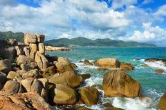 Остров Hon Chong, популярные туристские назначения на Nha Trang. Соперничайте стоковые фото