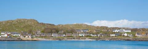 Остров Iona Шотландии Великобритании внутренний Hebrides шотландский с острова западного побережья Mull взгляда Шотландии панорам Стоковая Фотография RF