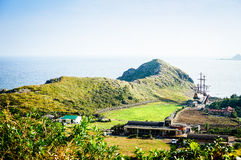 Остров Jeju, КОРЕЯ - 12-ое ноября: Турист посетил Sanbanggul Стоковое Фото