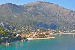 Остров Kefalonia, деревня Poros Ionian острова, Греция стоковое фото rf