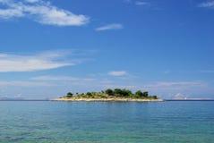 Остров Murter перед островом Стоковое Изображение