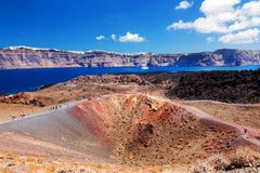 Остров Nea Kameni вулканический в Santorini, Греции Стоковое Изображение