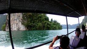 ОСТРОВ PHI PHI - KRABI - ТАИЛАНД 2016 год, 29-ое декабря: Прогулка на яхте к тропическим островам Взгляд от внутренности _ видеоматериал