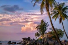 Остров Phu Quoc во Вьетнаме на заходе солнца стоковые изображения rf