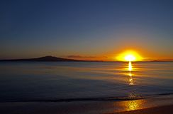Остров Rangitoto на зоре Стоковое фото RF