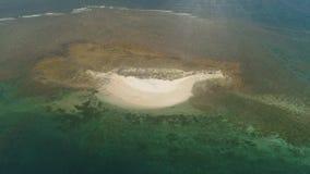 Остров Sandy в море philippines сток-видео