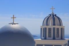 Остров Santorini в Греции - куполе классической церков Стоковое фото RF
