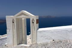 Остров Santorini острова Santorini - арка к морю Стоковые Изображения RF