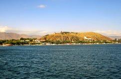Остров Sevan от озера Sevan стоковое фото rf