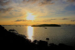 Остров Sichang в утре стоковые изображения rf