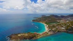 Остров St Martin приставает вид с воздуха к берегу Стоковая Фотография