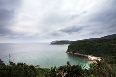 Остров Zamami под облачным небом Стоковое Изображение