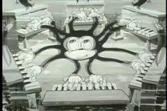 Осьминог шаржа ambidextrous играя 6 роялей иллюстрация вектора