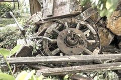 Ось в журнале Ретро колеса тележки Стоковые Фотографии RF