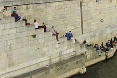 Ослабьте на реке Сене, Париже Стоковое фото RF