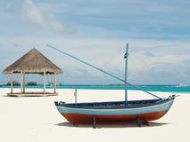 Ослаблять в солнечных Мальдивах Стоковое фото RF