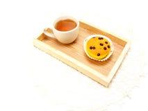 Отбензинивание пирожного с кораблями и чаем шоколада Стоковые Изображения RF