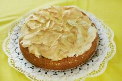 отбензинивание meringue плодоовощ торта Стоковое Изображение