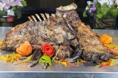 Отбивные котлеты овечки на carvery шведского стола ресторана стоковое изображение