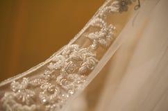 отбортованный bridal goregous рубчик мантии Стоковое Изображение RF