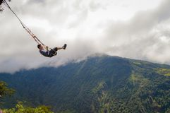 Отбрасывать, шалаш на дереве, летание, baños стоковое фото
