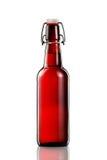 Отбросьте верхнюю бутылку светлого пива изолированную на белой предпосылке Стоковые Изображения RF