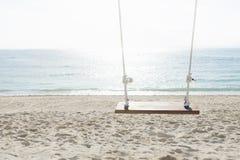 Отбросьте перед океаном, nusa lembogan, Бали, Индонезией Стоковое Фото