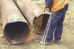 Отверстие вырезывания работника сварщика в металле 5 Стоковое Изображение RF