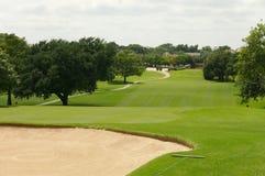 отверстие гольфа курса стоковое изображение