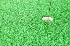 отверстие зеленого цвета травы гольфа Стоковое Фото