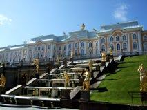 Отверстие фонтанов Peterhof стоковая фотография rf