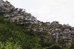 Отвесный утес, выглядеть как крутая стена горы Стоковое фото RF