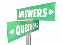 Ответы q вопросов и слова подписывают Стоковое фото RF