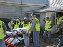 Отвечает практика команды помочь раненым людям Стоковые Фотографии RF
