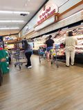 Отдел мяса в супермаркете стоковое изображение rf