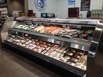 Отдел рыб продовольственного магазина стоковые изображения